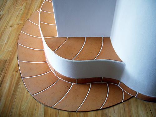 ein dekoratives Kachelmosaik als Bodenschutz
